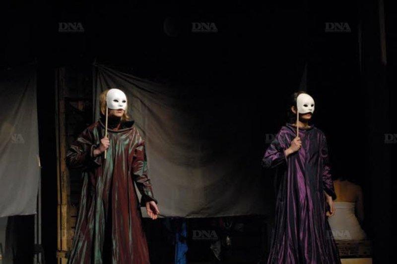 Théâtre, danse et chant - Les effilochées