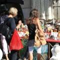 Marchés aux puces: Le grenier dans la rue